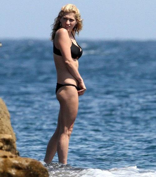 Kesha bikiniben: borzalom! - popcorn
