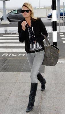 1d62b4635d Csíkos pulóver. Kate kedvenc színei a fekete, fehér és a szürke. A  fekete-fehér, csíkos pulcsi nem hiányozhat Kate gardróbjából!