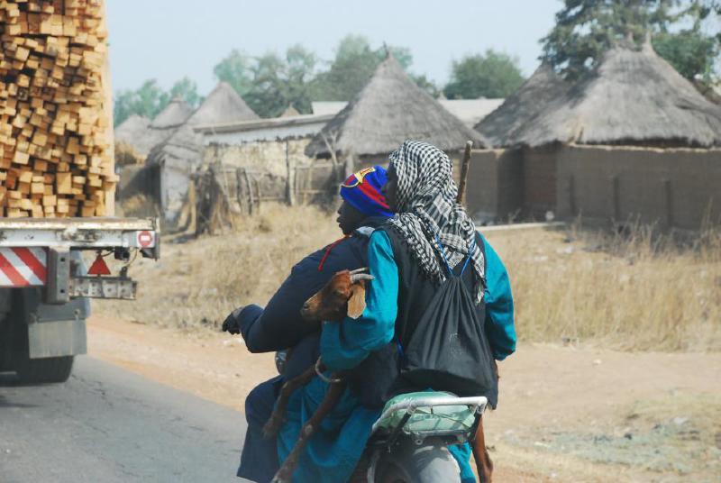 találkozás a kameruni nő keresek coupose housekeeper algéria