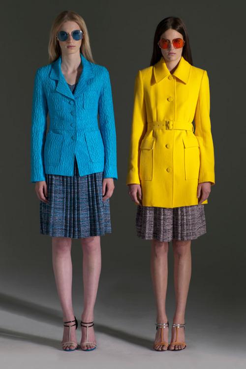 kék kabát sárga kabát