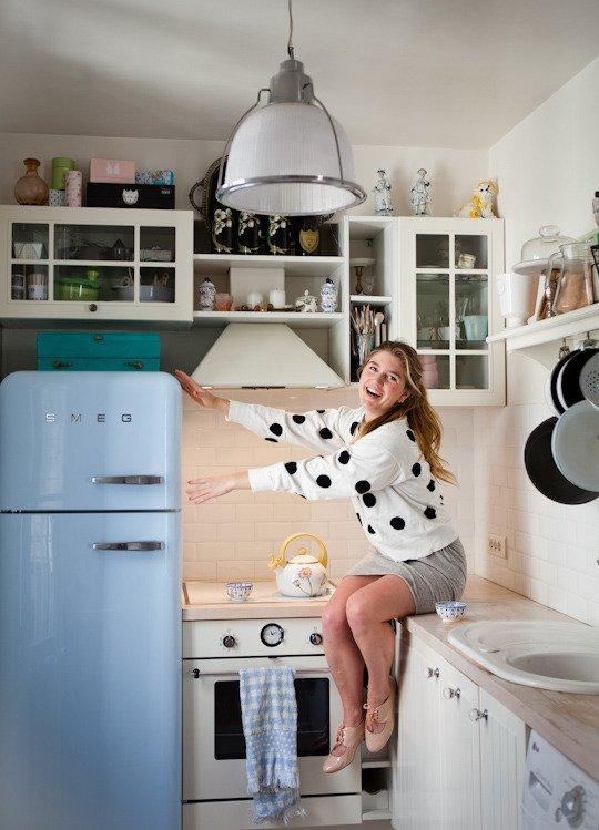 SMEG kék hűtő-konyhabútor