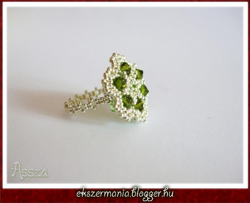 Green Flower gyűrű kristályokból