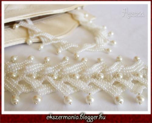Esküvői ekrü tekla nyaklánc