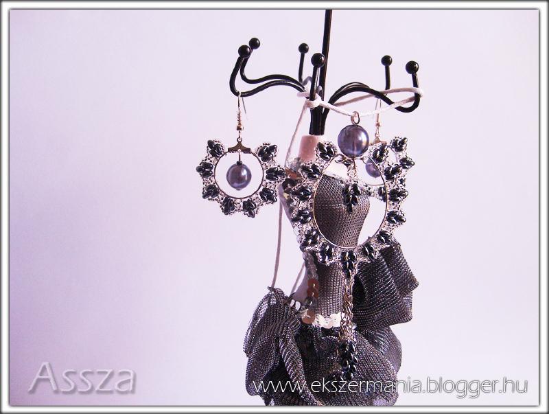 The Witcher medál és fülbevaló twin gyöngyből