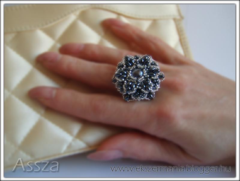 Gyűrű twin gyöngyből