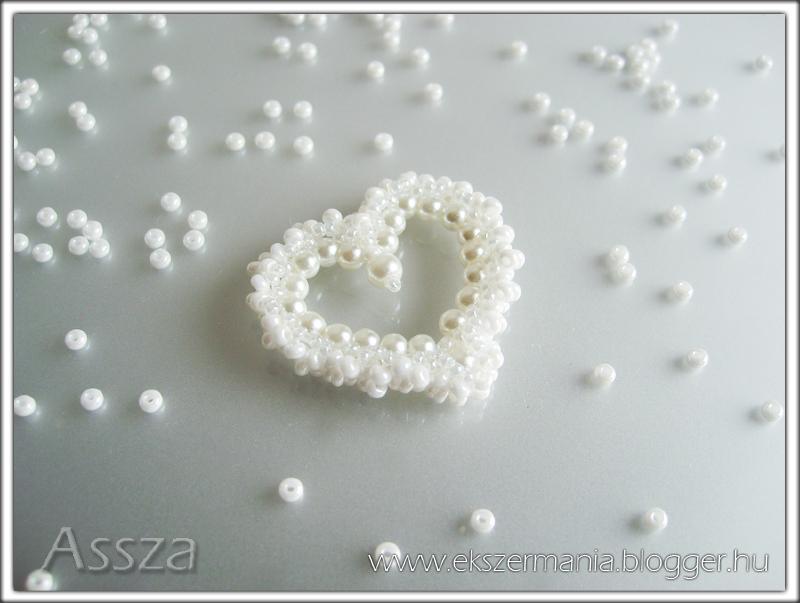 Gyöngyékszer: szív medál