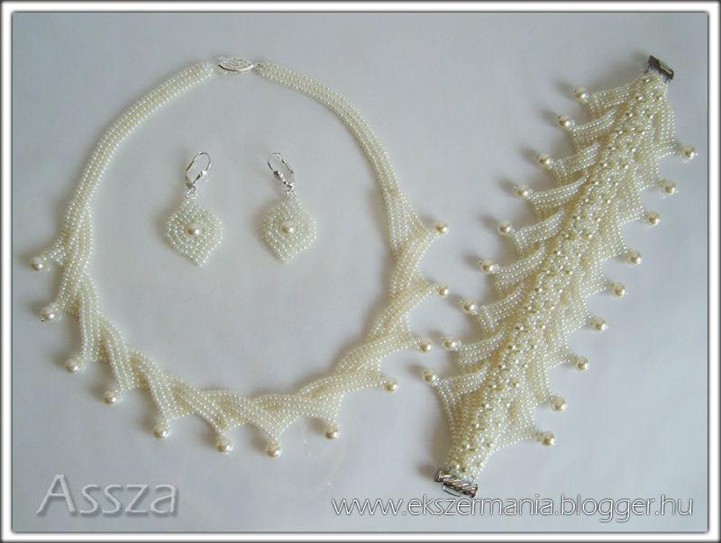 Ekrü esküvői ékszerszett: nyakék, karkötő és fülbevaló