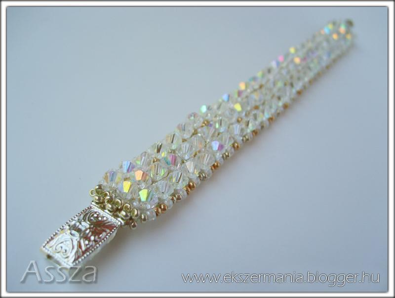 Karkötő kristályokkal