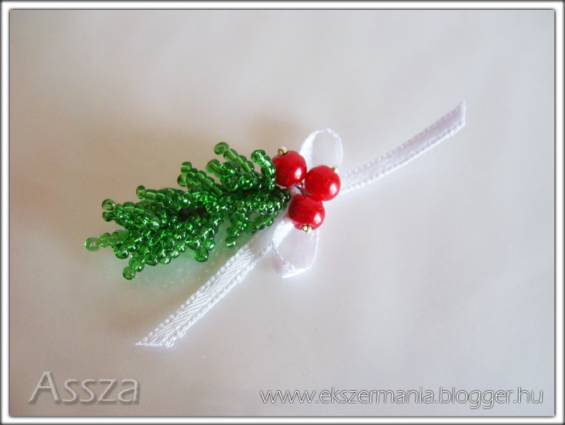 Karácsonyi dísz gyöngyből