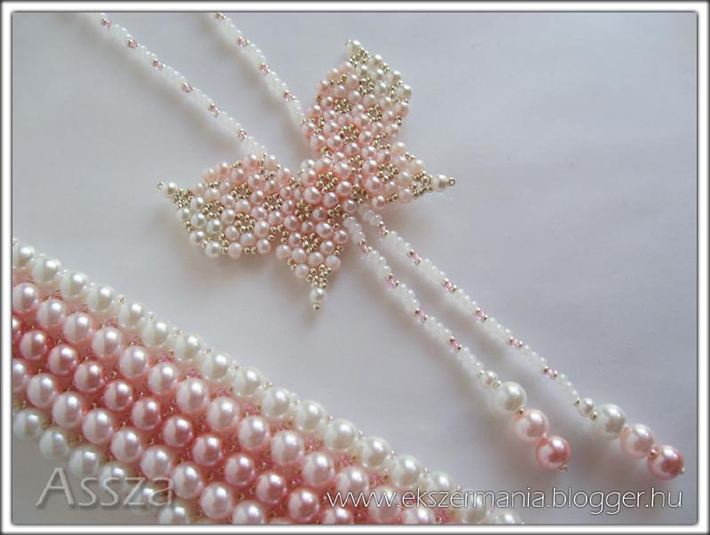 Pillangós nyakék és karkötő rózsaszín teklákból