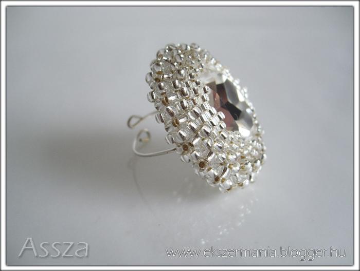 Gyűrű kristályból