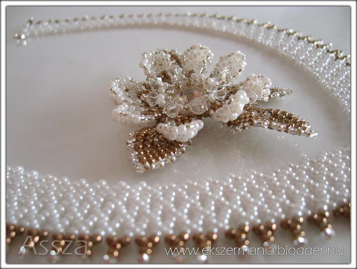 Esküvői gyöngygallér nyakék kristály virággal