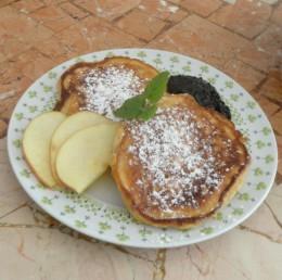 almapalacsinta szilvalekvárral