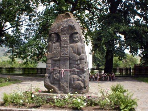 Tamási Áron emlékmű - Farkaslaka