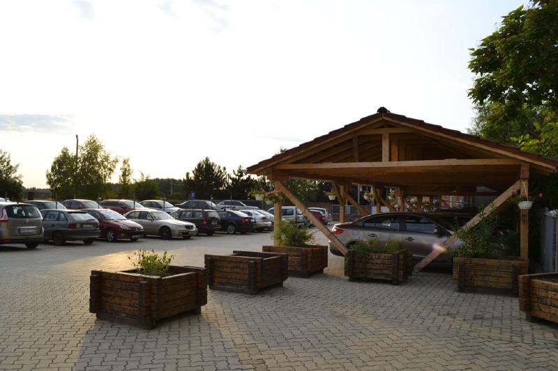 Parkolás közel Ferihegyhez