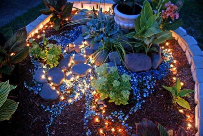 Lámpások a kertben
